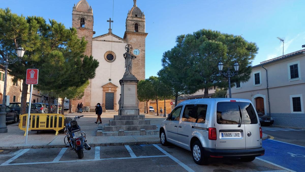 Una imagen de la Plaça de Pina, en el municipio de Algaida.
