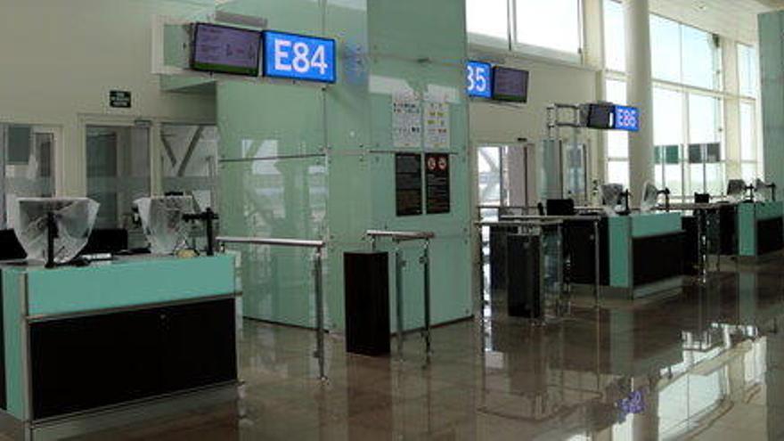 Interior prorroga les restriccions d'entrada per aeroport des de tercers països