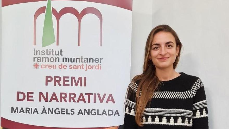 Irene Solà rep els elogis de la seva ciutat a l'Institut Ramon Muntaner