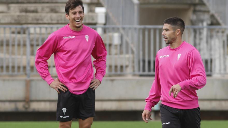 El UCAM Murcia CF inicia los fichajes con el defensa Farrando