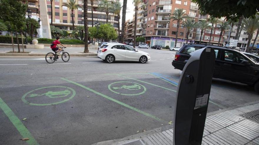 Seis municipios de la Ribera tienen registrados más coches que personas