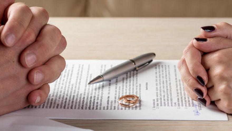 El número de divorcios cayó un 2,8% el pasado año