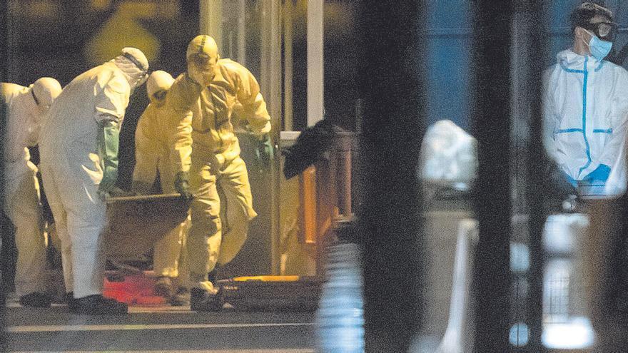 La jueza ordena inhumar los cadáveres de los 24 migrantes de la patera de El Hierro
