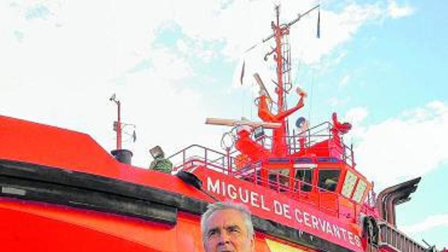 """""""Hacemos búsquedas a 200 millas y nunca hemos visto un barco nodriza"""""""