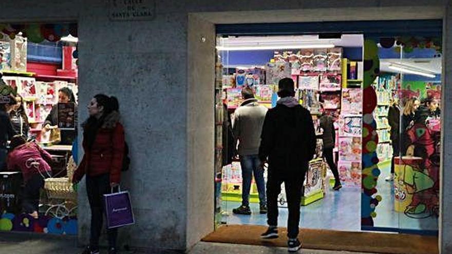 La campaña de Navidad generará más de mil contratos laborales en la provincia