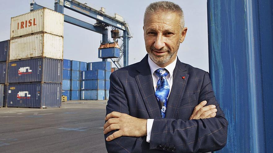 """""""No se puede engañar con la reivindicación imposible de condonar la deuda del Puerto"""""""