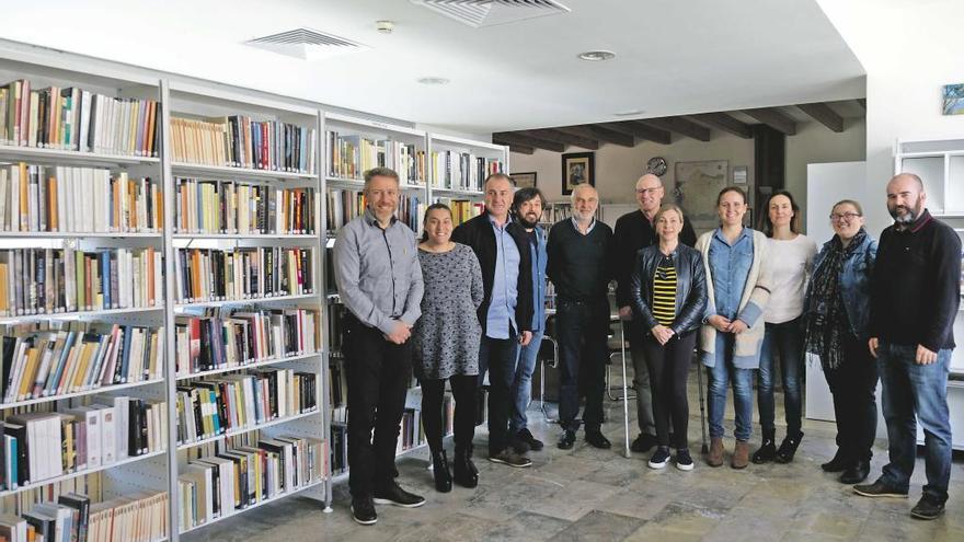 Inaugurada la Biblioteca Municipal de Llucmajor, con mejor servicio, en el Claustre