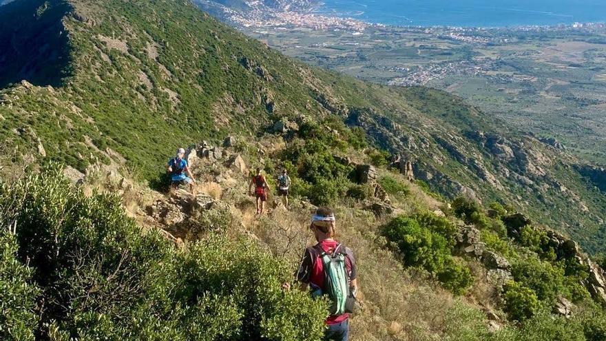 Set corredors completen la ruta dels 4 refugis de la Tramuntana en una jornada
