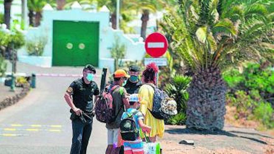 Sánchez se reunirá con Torres en Lanzarote para tratar asuntos canarios