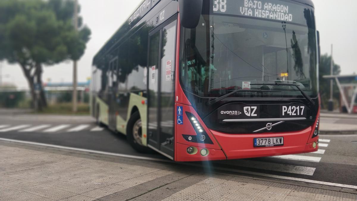 Autobús eléctrico de la línea 38 de Zaragoza.