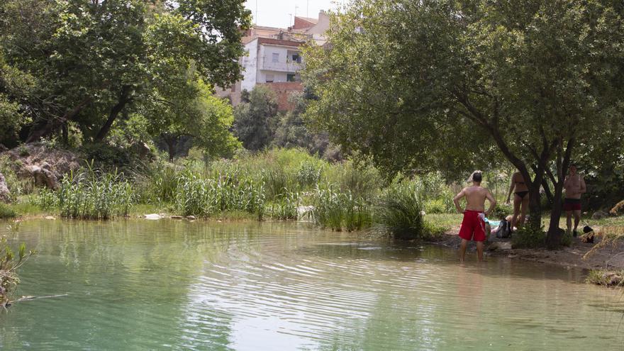 Anna y Bolbaite limpiarán tramos urbanos de ríos tras una autorización de la CHJ