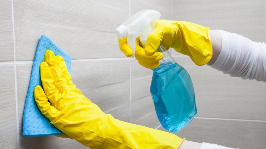 El sencillo truco casero para limpiar la bañera sin esfuerzo y en poco tiempo