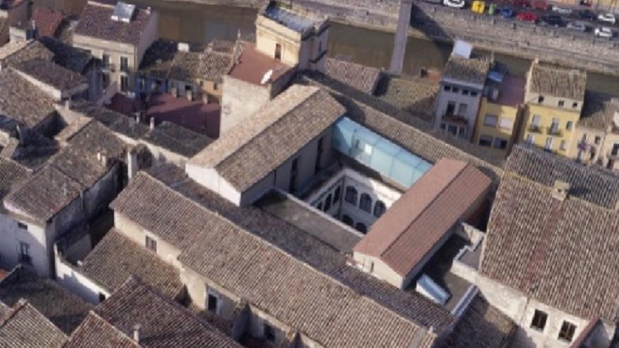 Bastint i vestint el patrimoni. Una visita a l'edifici del Museu d'Història de Girona