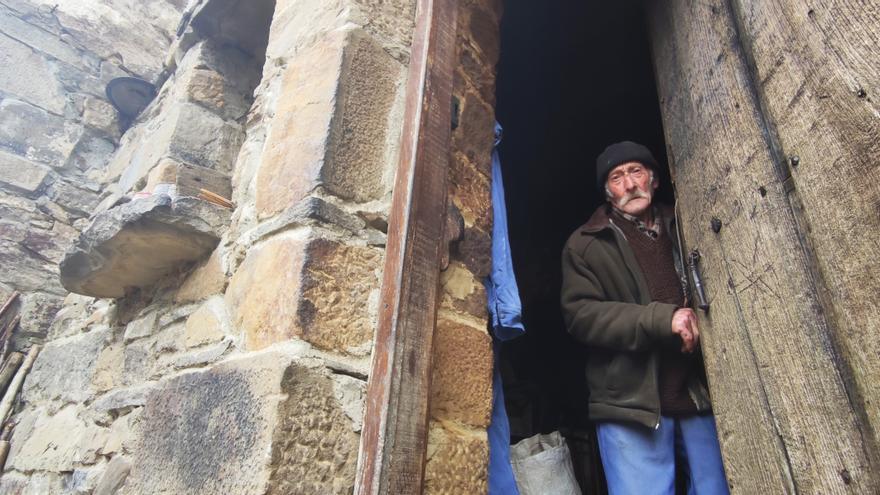 El azote de la soledad en la comarca: más de 3.000 mayores de 65 años viven solos