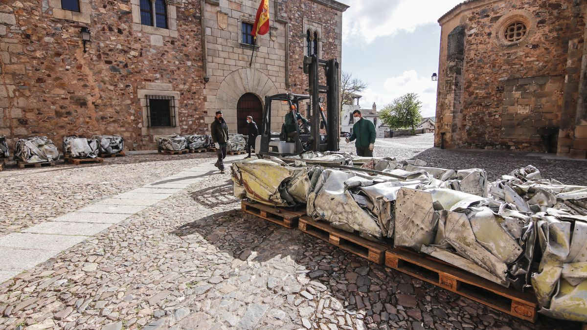 Escultura de Fernando Sánchez Castillo elaborada con los restos del Azor, embarcación de recreo de Franco.