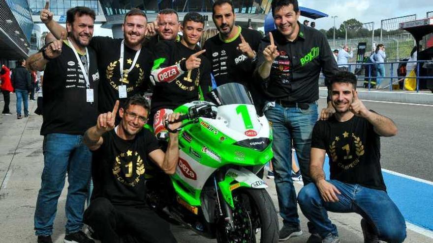 El Deza Box 77 triunfa con los superbikes júniors