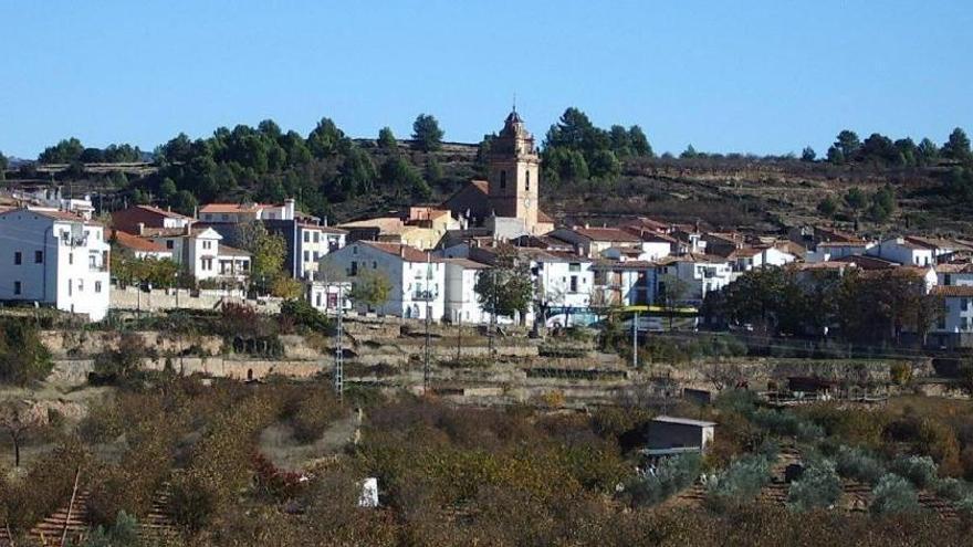 Este pueblo de Castelló ofrece casa y trabajo a una familia para salvar su colegio
