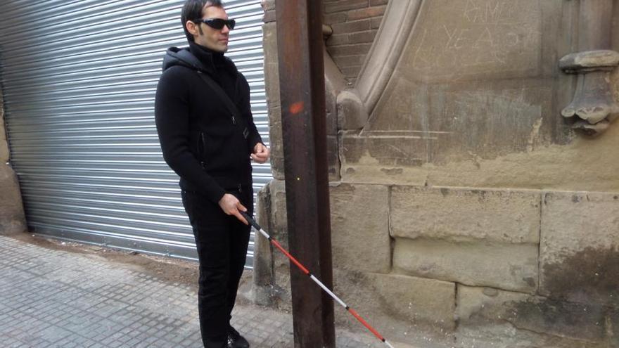 Els cecs alerten que a Manresa els perills per a la seva seguretat augmenten