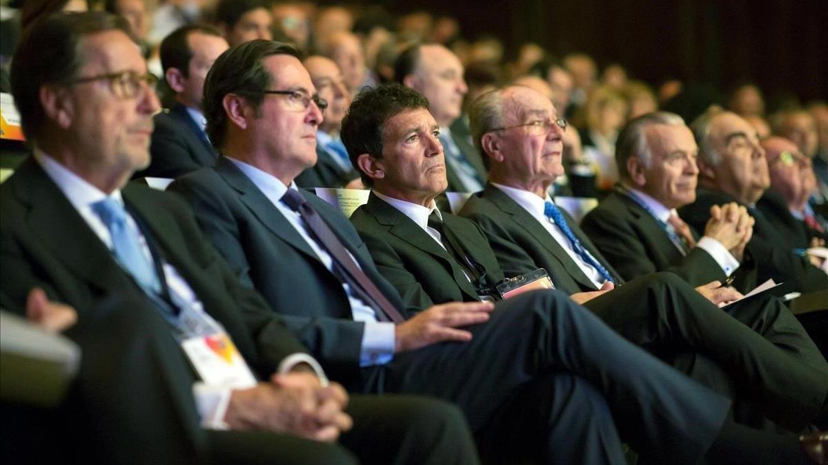 Un buen apellido conlleva el 23% más de posibilidades en España de acabar como directivo