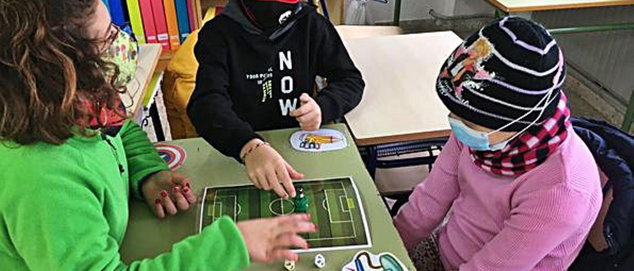 Liga de fútbol-tablas en el CEIP Pintor Sorolla de Elda