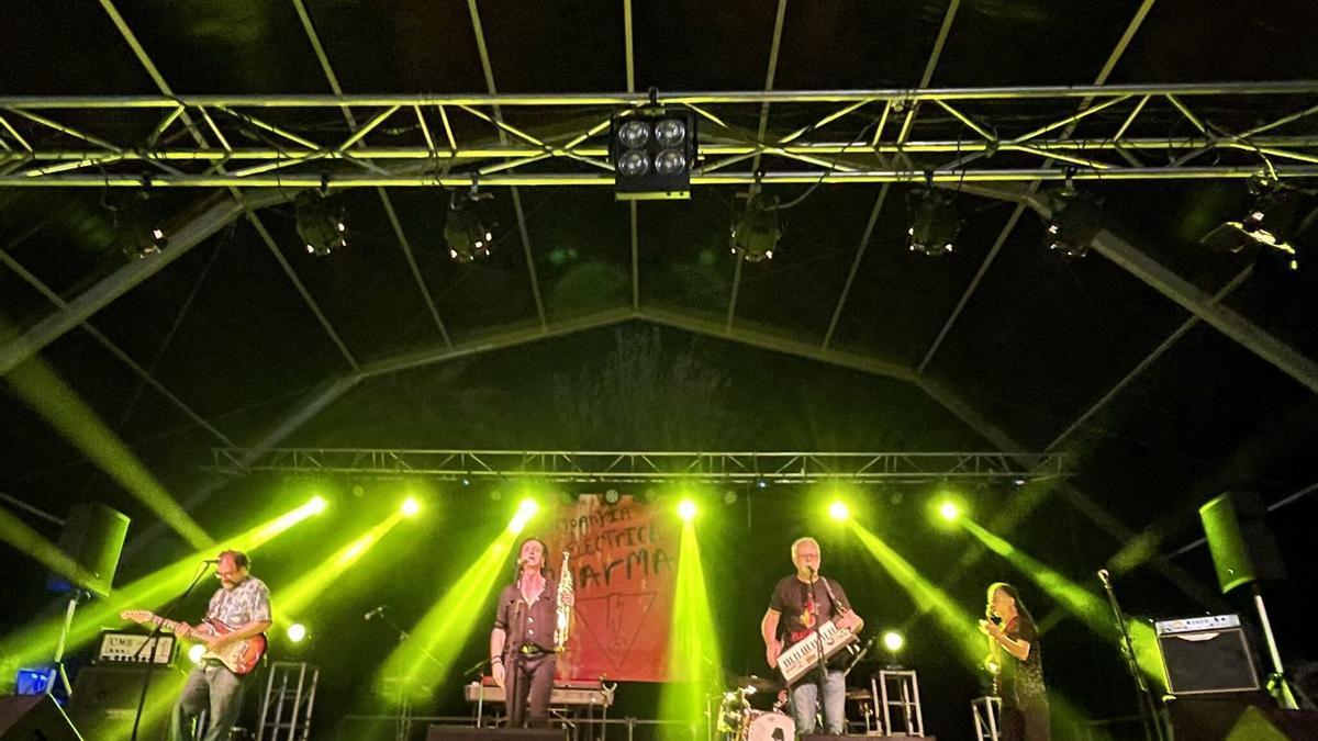 Electrica Dharma en un dels seus concerts a La Ràpita