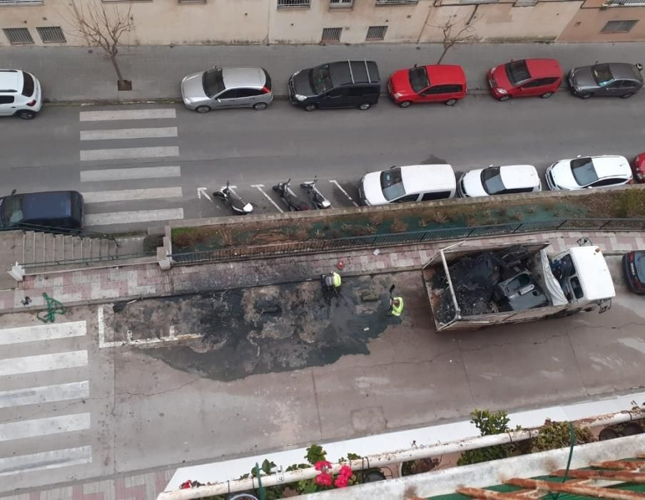 Dos incendis de contenidors causen danys a Blanes -