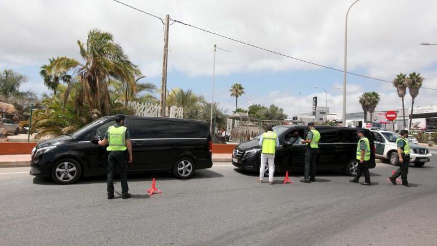 Detectadas 254 matrículas esta temporada operando como taxis pirata en Ibiza