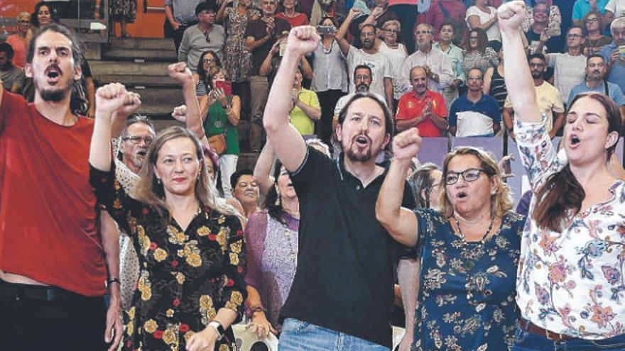 La guerra abierta en Podemos empaña la búsqueda de relevo a Santana