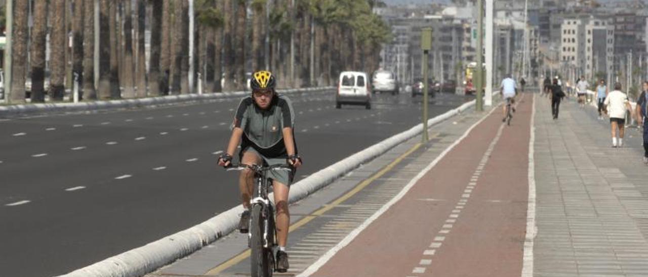 Imagen del paseo de la Avenida Marítima. | | ANDRÉS CRUZ
