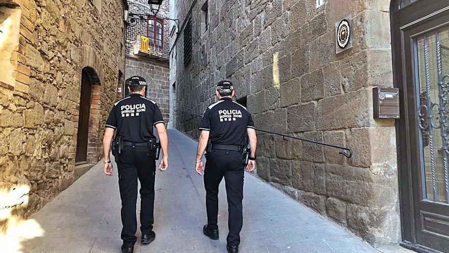 Solsona vol solucionar la marxa de policies amb complements de sou