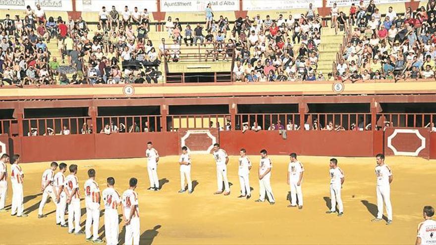 Javi Vallés gana el Concurso de Recortes de Vall d'Alba en su plaza
