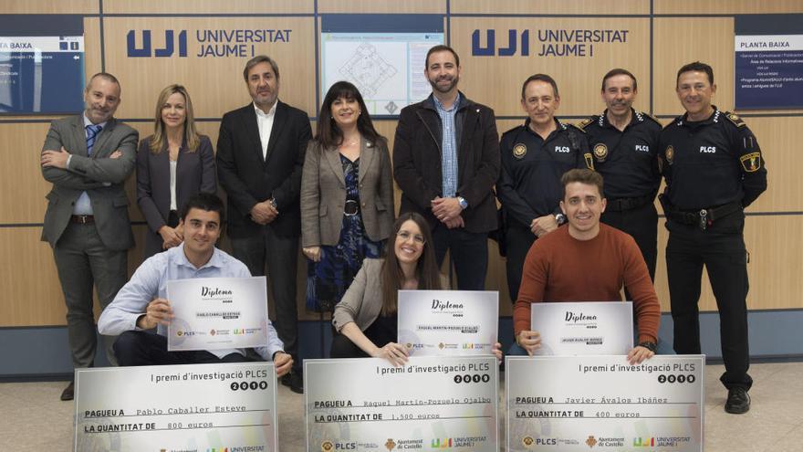 La Policía Local premia tres trabajos del grado de la UJI de Criminología