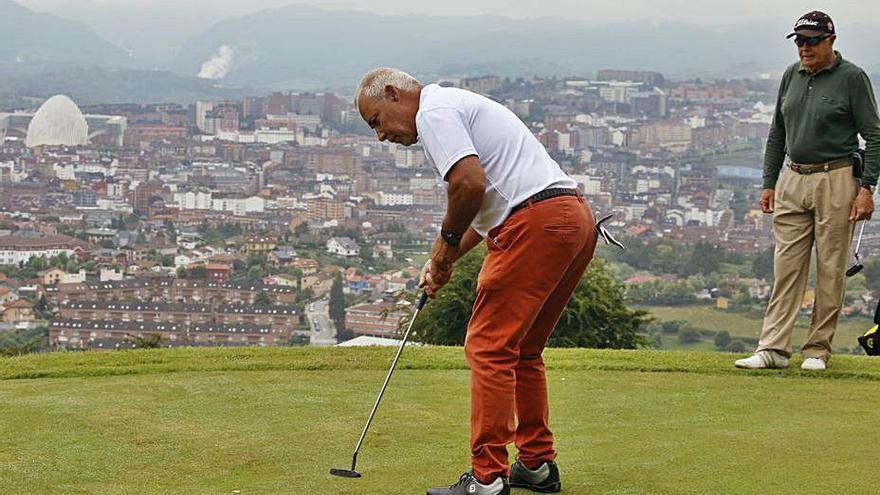 El Naranco estrena un pequeño campo de golf la próxima semana