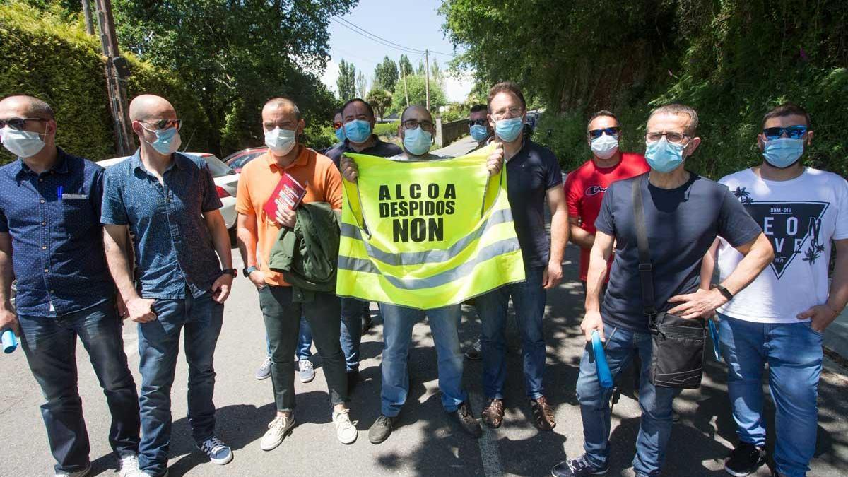 Miembros del comité de empresa de Alcoa San Cibrao.