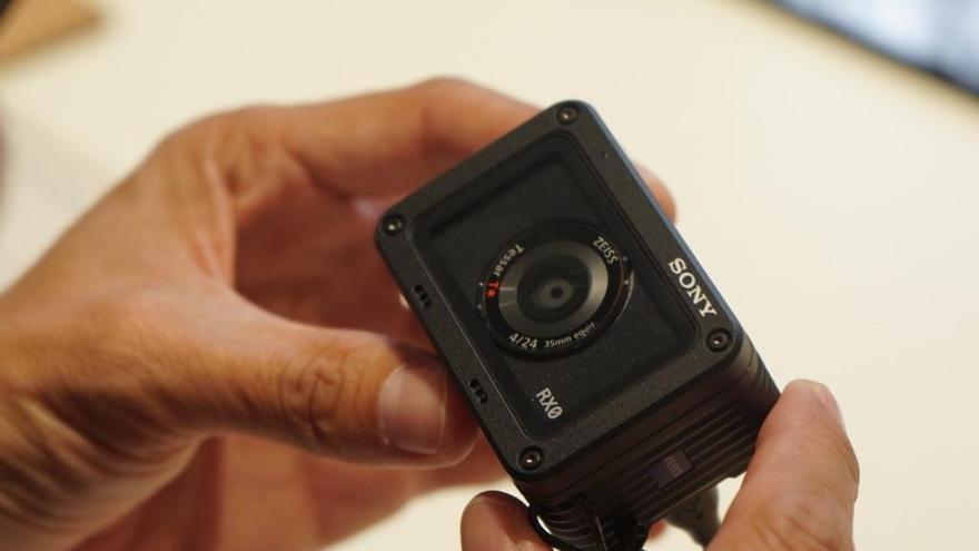 Así es una de las cámaras más pequeñas del mundo