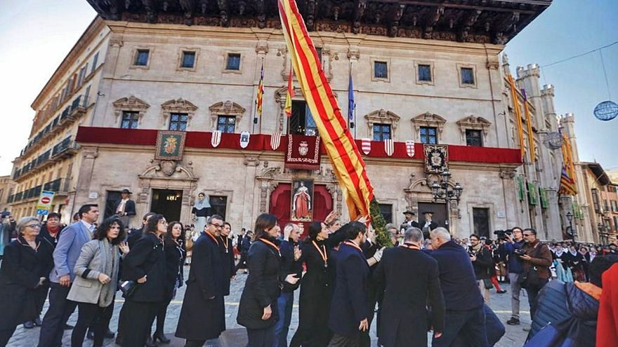 El pendón real se sacará sin público el día de la Festa de l'Estendard