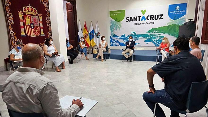 Ayuntamiento y San Andrés consensúan un operativo para evitar el caos de tráfico