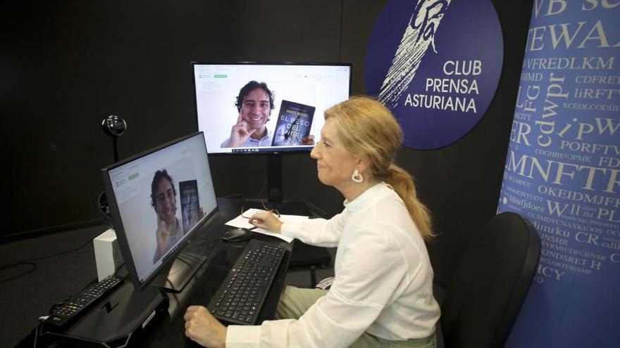 El escritor Andrés Pascual en el Club digital