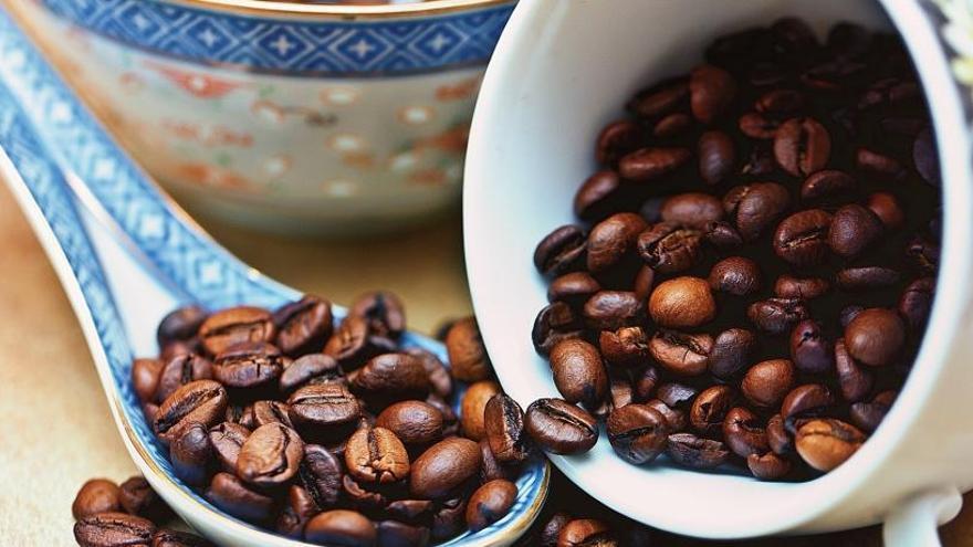 Tomar café no provoca el deterioro físico de los mayores
