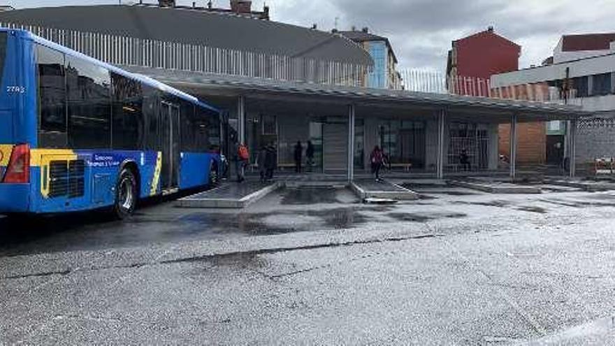 Siero deja en suspenso el plan de mejora del transporte público y su conexión con Oviedo