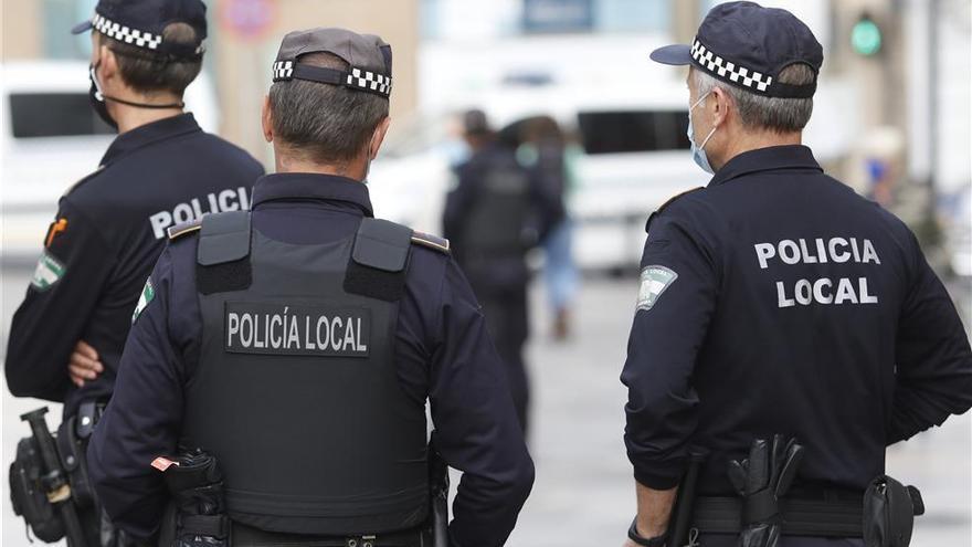 Detenida una conductora a la fuga y sin carné tras una persecución en el barrio del Guadalquivir
