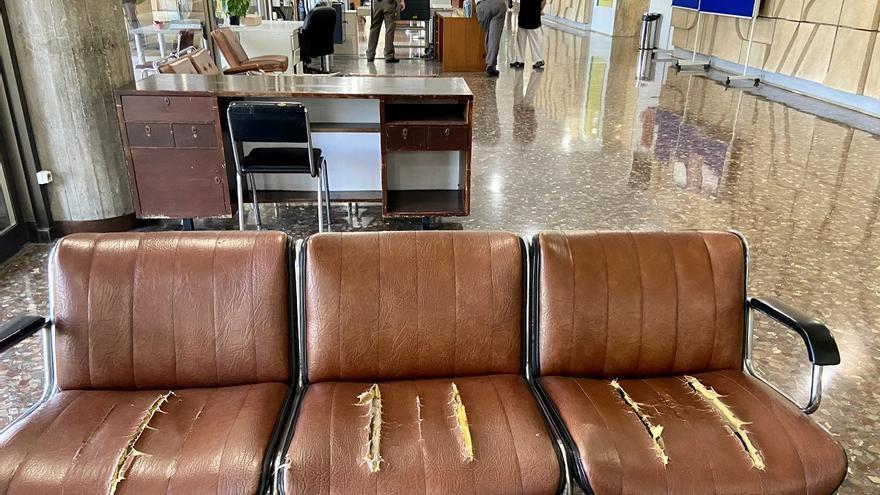 """CCOO denuncia la situación de """"abandono"""" del interior del Edificio Blanco de Málaga"""