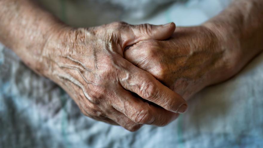 El director de un geriátrico de Barcelona, a juicio por permitir el estado de abandono de una usuaria