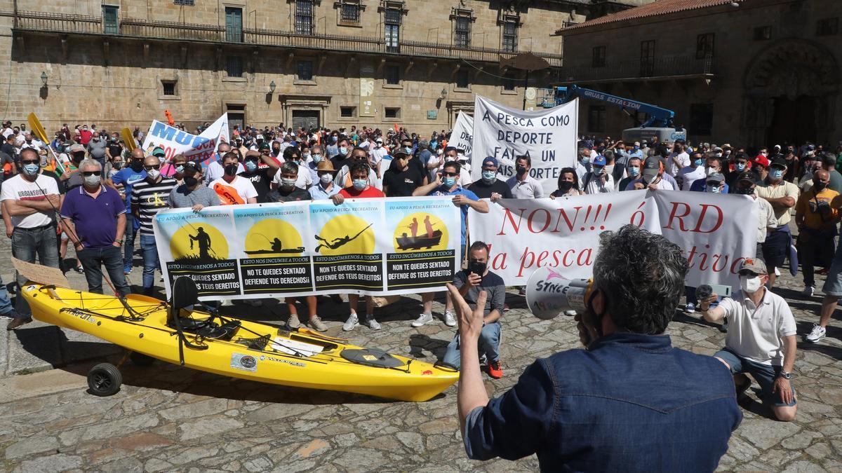 Manifestantes ayer en Santiago. // Xoán Álvarez
