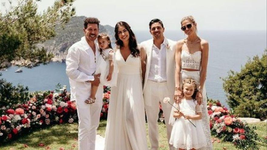 El Cholo Simeone comparte las fotos de la boda de su hijo Giovanni en Ibiza