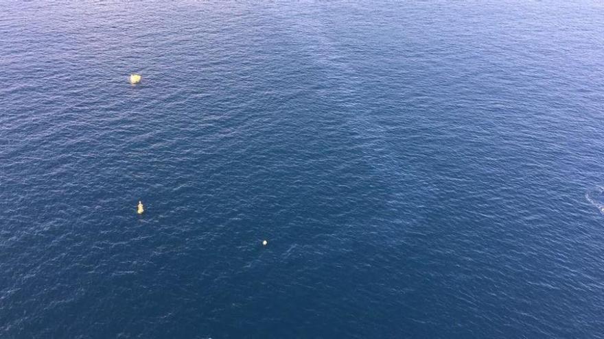 Cierran una playa en Tenerife por una mancha de fuel