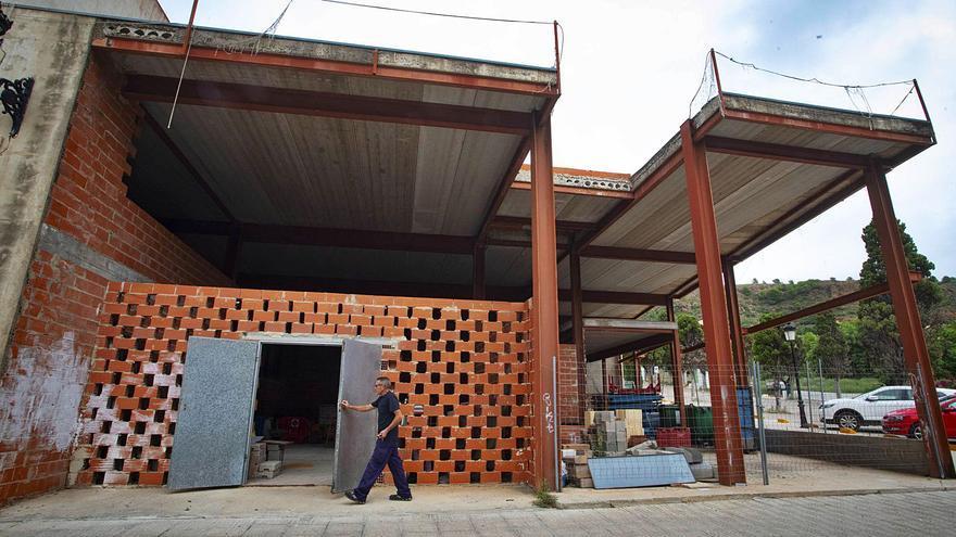 Un desacuerdo con la Iglesia bloquea ya 12 años la obra de un centro cívico en Petrés