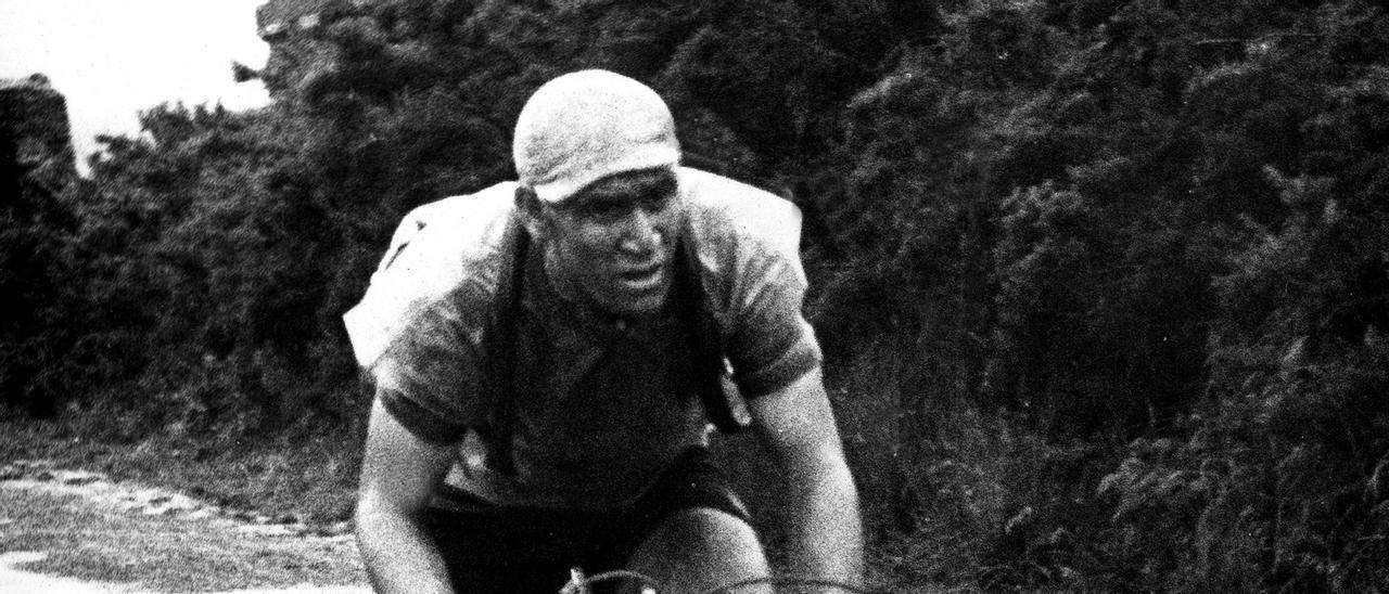 Antón Barrutia, en su época de ciclista