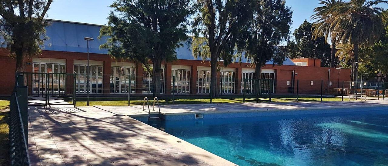 San Vicente va a invertir 1,5 millones en la segunda fase del Centro de Agua, que incluye cubrir la piscina. | INFORMACIÓN