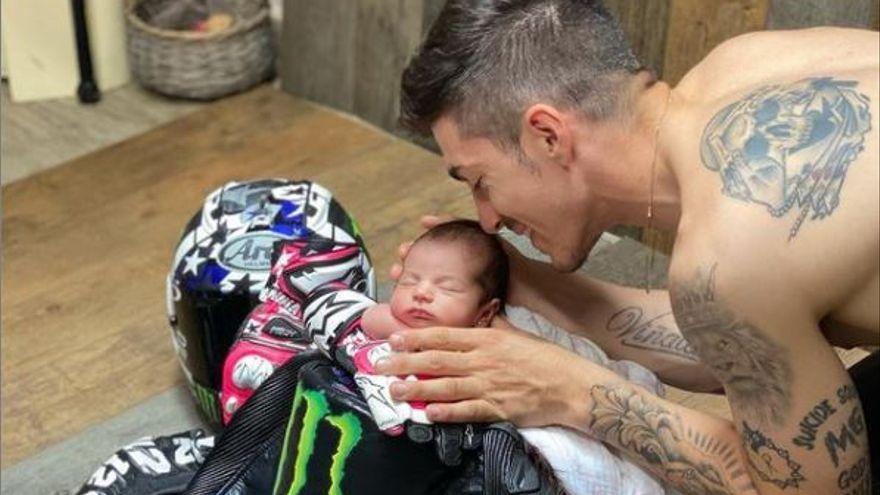 Maverick Viñales és pare de la seva primera filla
